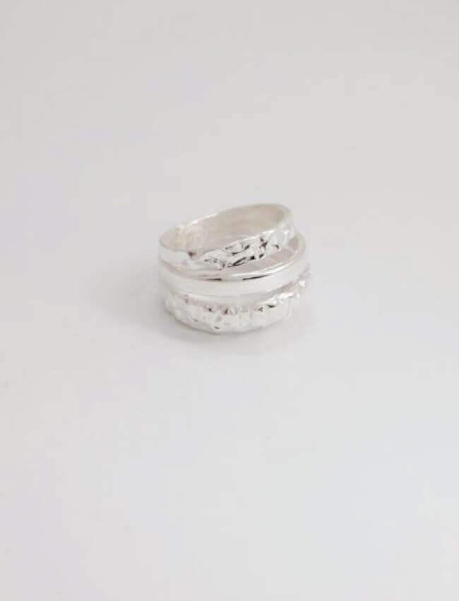 4 Line Ring